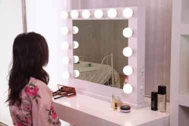 China 12pcs Led BULB Hollywood Vanity Mirror With Lights 500x700mm , Led Magnifying Makeup Mirror factory